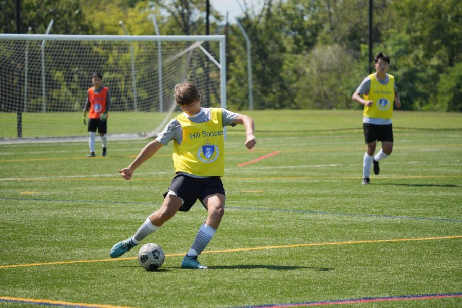 Andrew Mannato 23 completes a play against Episcopal Academy